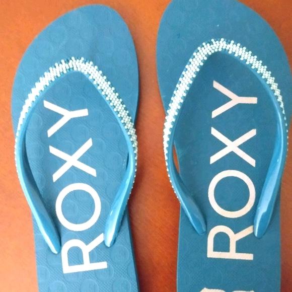 Roxy flip flops NEVER WORN